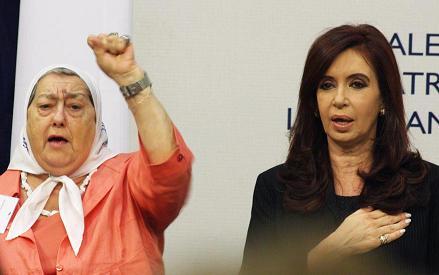 Hebe de Bonafini , Madre de Plaza de mayo,y Cristina, presidenta argentina, Kirchner, premio Bicentenario a los Derechos Humanos