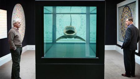 Su tiburón en caja vidriada. La obra quizás más célebre de Damien Hirts, el artista mejor cotizado en el mundo.