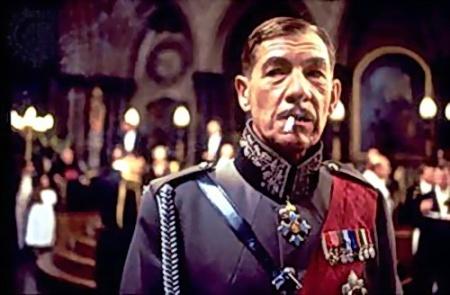 Ricardo III, encarnado por Ian McKellen. Mucho más malvado que Magneto.