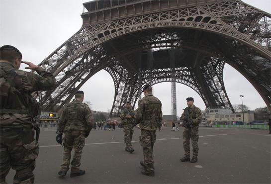 ¿Y la Libertad? ¿Y el viejo socialismo francés? ¿O solo ha quedado el viejo nacionalismo de derecha católico integrista francés, ahora financiarizado?