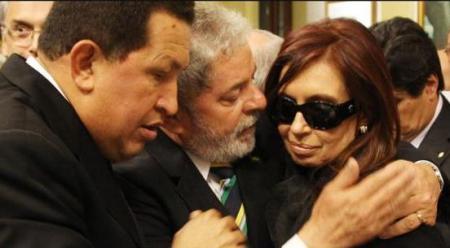 Cristina, Lula y Chávez. (¡Suerte Hugo!)