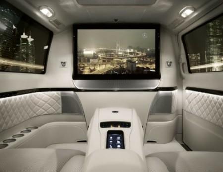 """Mi Mercedes """"Viano. Visión de Diamante"""". Aquí su interior, en la Exposición de Beijing del año pasado."""