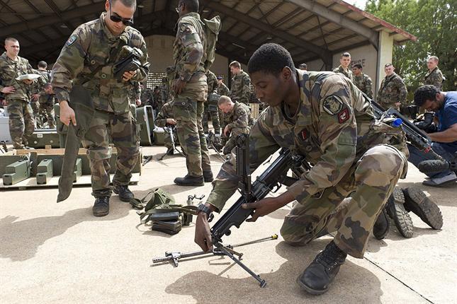 Soldados de Francia invaden Mali, en Africa, antigua colonia. Foto EFE.