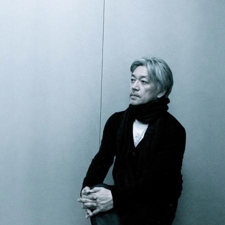 R. Sakamoto (foto de autor no identificado)