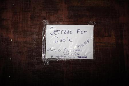 La Plata: cerrada por duelo. Foto Clarin-La Nacion.