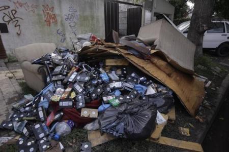 La videoteca hogareña a la basura. La Nacion.com