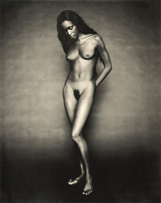 Naomi Campbell y otros desnudos famosos censurados