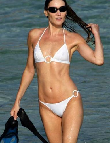 Carla Bruni, en unas vacaciones de verano.