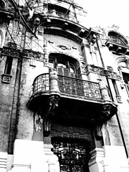 Amílcar Moretti. Antigua y bella residencia ubicada en diagonal 80 casi 2. La Plata.