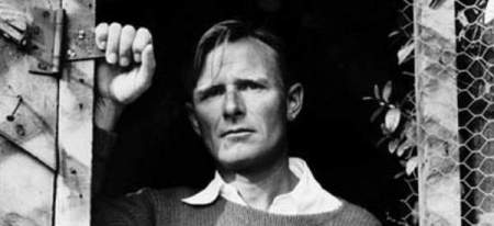"Christopher Isherwood, en su madurez, ""escritor"" de Cabaret."