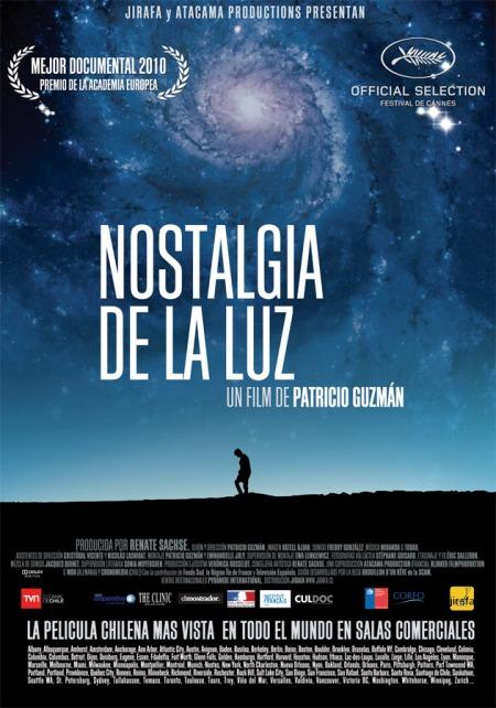 """""""Nostalgia de la Luz"""", el magnífico filme que este domingo, a las 22,30, exhibe I-Sat. En el desierto de Atacama, al norte de Chile, lugar del mundo donde mejor se ve ve el universo y el cielo, allí, justo allí, enterraron a desaparecidos políticos durante la dictadura de Pinochet."""