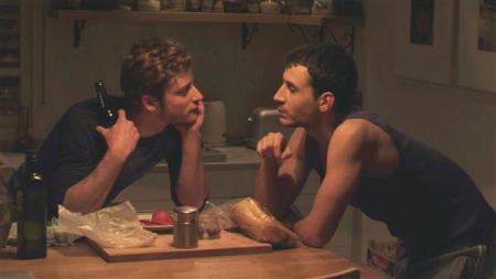 """Imagen de """"Out in the Dark"""" sobre la homosexualidad y el conflicto palestino-israelí, que se estrena este domingo 8 diciembre en televisión.  Lea más en moretticulturaeros.com.ar Es la página en que continúa este blob. También otras películas para el viernes, sábado y domingo."""